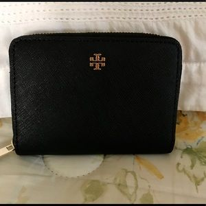 Authentic Tory Burch Robinson coin case